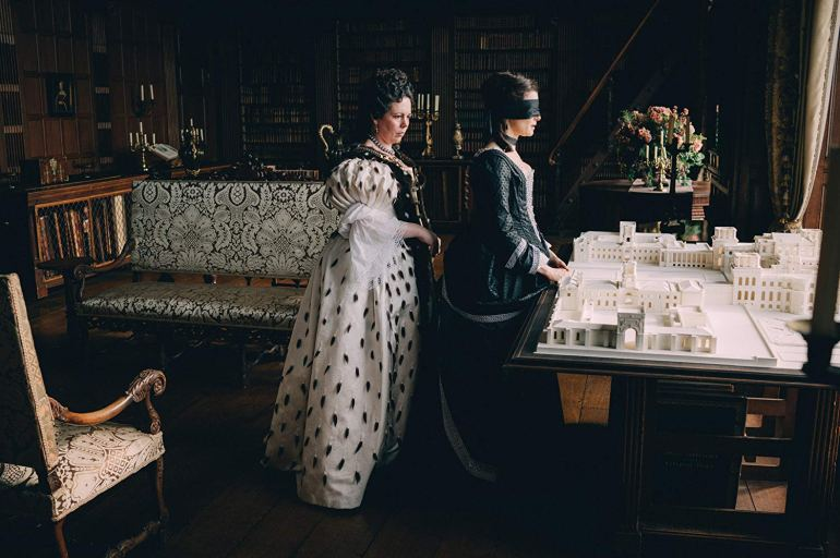 Rachael Weisz and Olivia Coleman in The Favourite